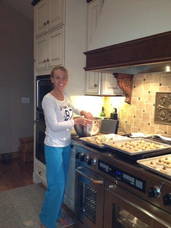 Image of Kate from TLC's Kate Plus Eight baking cookies