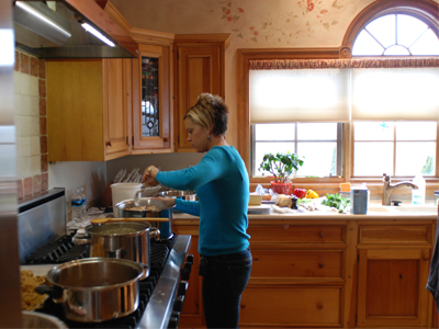 Image of Kate from TLC's Kate Plus Eight cooking