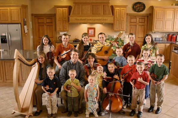 "Picture of the main cast of TLC's ""19 Kids and Counting"""